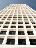 Edificio de oficinas alto Imagen de archivo libre de regalías
