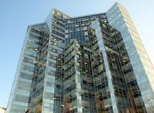 Edificio de oficinas alto Imágenes de archivo libres de regalías