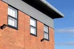 Edificio de oficinas del ladrillo moderno Foto de archivo libre de regalías