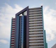 Edificio de oficinas en el centro de la ciudad en Yokohama, Japón Fotografía de archivo libre de regalías