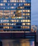 Edificio de oficinas en Hamburgo imagenes de archivo