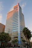 Edificio de oficinas en la puesta del sol Fotos de archivo
