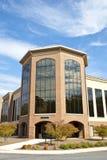 Edificio de oficinas moderno foto de archivo libre de regalías