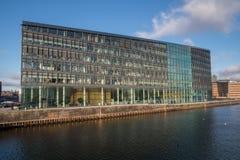 Edificio de oficinas moderno, Copenhague, Dinamarca Fotos de archivo