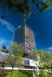 Edificio de oficinas moderno en Madrid foto de archivo libre de regalías