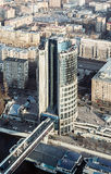Edificio de oficinas que fue terminado en la Moscú-ciudad compleja foto de archivo