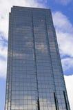 Edificio de oficinas recto genérico Imagenes de archivo