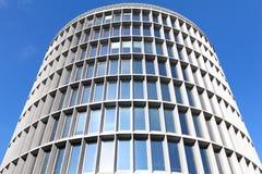 Edificio de oficinas redondo Fotografía de archivo libre de regalías