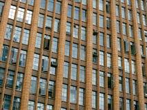 Edificio de oficinas viejo Imagen de archivo libre de regalías
