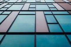 Edificio de oficinas Windows Fotografía de archivo libre de regalías