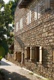 Edificio de piedra asoleado Foto de archivo libre de regalías