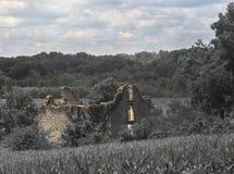 Edificio de piedra del abandono Imagenes de archivo