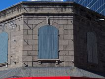 Edificio de piedra en Port-Louis Foto de archivo libre de regalías