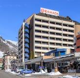 Edificio de Ramada del hotel en Engelberg, Suiza Foto de archivo libre de regalías