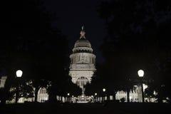 Edificio de Texas State Capitol en la noche Foto de archivo
