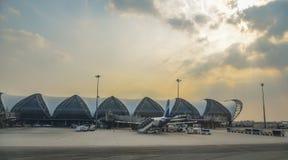 Edificio del aeropuerto de Bangkok Suvarnabhumi imagen de archivo libre de regalías