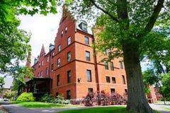 Edificio del campus de la universidad del Mt Holyoke Fotos de archivo libres de regalías