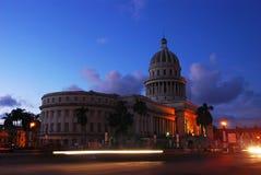 Edificio del capital nacional en Havana Cuba en la oscuridad Fotos de archivo libres de regalías