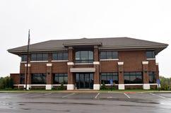 Edificio del día lluvioso Fotos de archivo