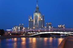 Edificio del estilo del imperio de Stalin Imágenes de archivo libres de regalías