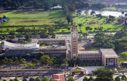 Edificio del parlamento de Kenia Fotos de archivo libres de regalías