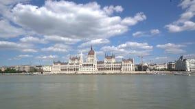 Edificio del parlamento en Budapest almacen de video