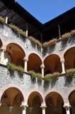 Edificio del renacimiento del patio con las arcadas Imagenes de archivo