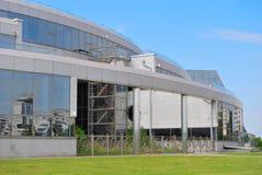 Edificio del vidrio y del metal Fotos de archivo