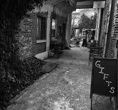 Edificio del vintage con manera del callejón Foto de archivo