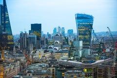 Edificio del Walkietalkie y actividades bancarias de Canary Wharf y aria de la oficina en el fondo Londres, Reino Unido Fotos de archivo libres de regalías