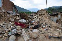 Edificio derrumbado después del desastre del terremoto Imagen de archivo
