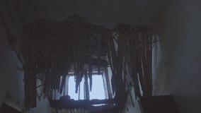 Edificio destruido, ventanas almacen de metraje de vídeo