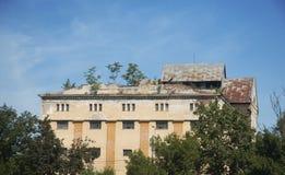 Edificio deteriorado Imagen de archivo libre de regalías