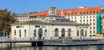 Edificio di La Cite du Temps a Ginevra, Svizzera Fotografia Stock