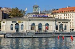 Edificio di La Cite du Temps nella città di Ginevra, Svizzera Fotografia Stock Libera da Diritti