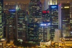Edificio di Singapore alla notte Fotografia Stock