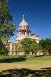 Edificio di Texas State Capitol in Austin durante la molla immagini stock libere da diritti