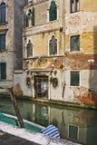 Edificio di Tipical a Venezia fotografie stock libere da diritti