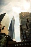 Edificio di Wall Street con il fondo del sole Immagine Stock Libera da Diritti