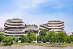Edificio di Watergate visto dal fiume Potomac Fotografie Stock Libere da Diritti