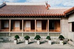 Edificio en el castillo de Shuri debajo del cielo azul claro, Naha, Okinawa, Ja fotografía de archivo libre de regalías