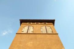 Edificio en estilo italiano Foto de archivo libre de regalías