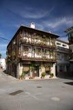 Edificio en la aldea de Candeleda Imagenes de archivo