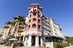 Edificio en la ciudad de Nápoles, la Florida foto de archivo libre de regalías