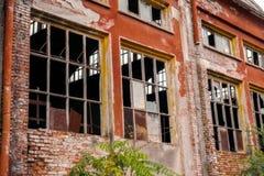 Edificio en la degradación imagen de archivo