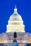 Edificio en la oscuridad, Washington DC del capitolio de los E Imagen de archivo