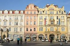 Edificio en la vieja plaza en la república del control, Praga Imágenes de archivo libres de regalías