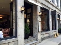 Edificio en Montreal vieja Imagenes de archivo