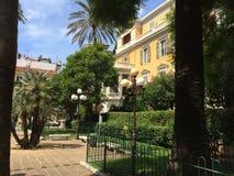 Edificio en Niza Fotos de archivo libres de regalías