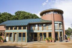 Edificio en parque zoológico del parque de Lincoln Foto de archivo libre de regalías